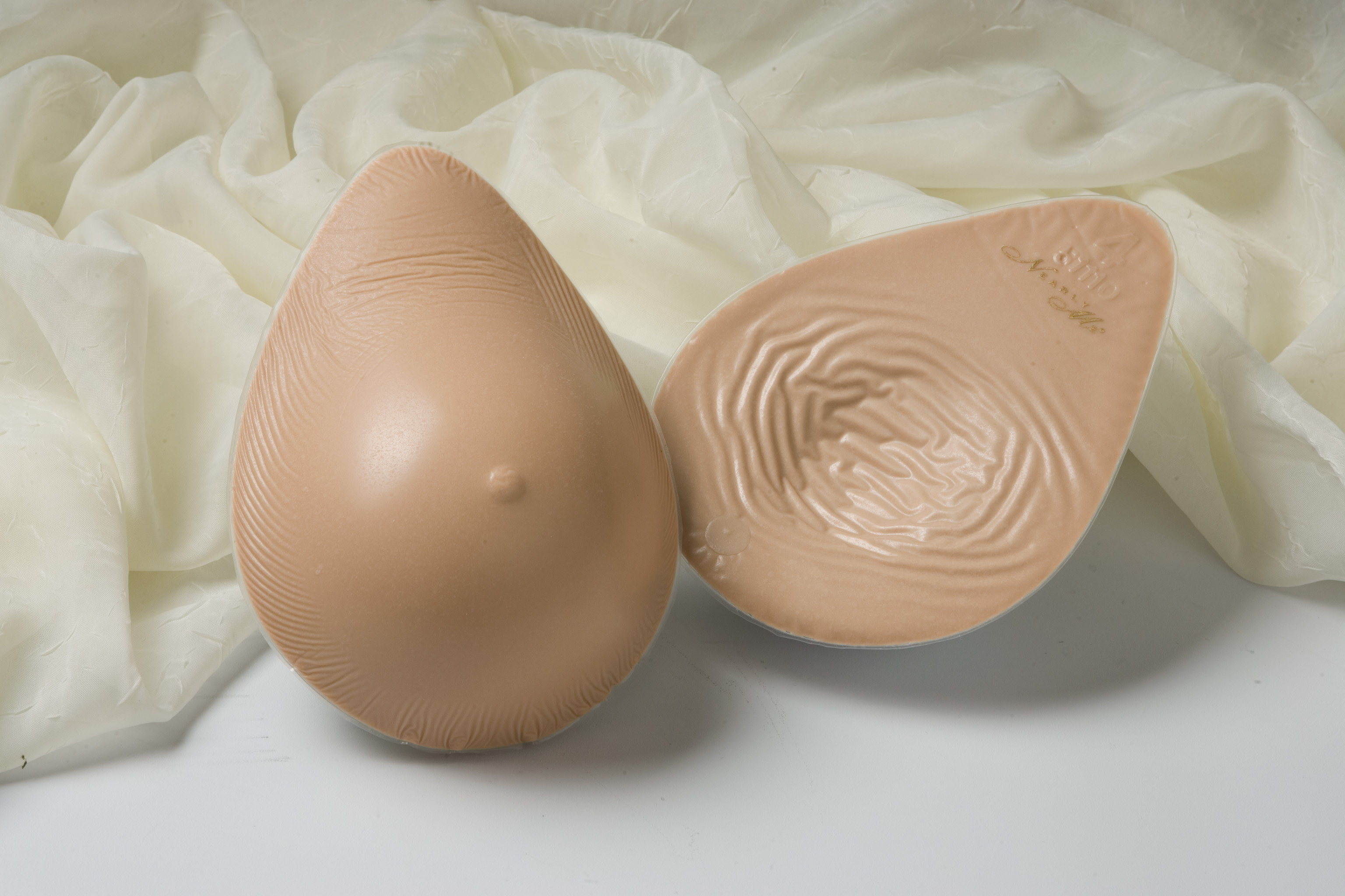 donate used breast prothesis
